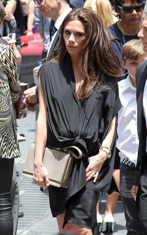 Victoria Beckham accompagne Simon Fuller pour son �toile sur Hollywood