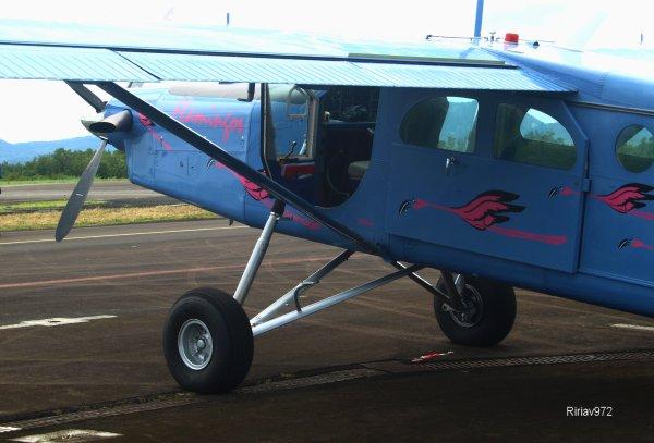 Salon Aéronautique Martinique >  Saut en Parachute !
