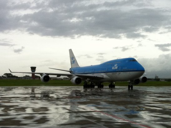 Photos > Deroutement KLM Boeing 747-400 { Guadeloupe }