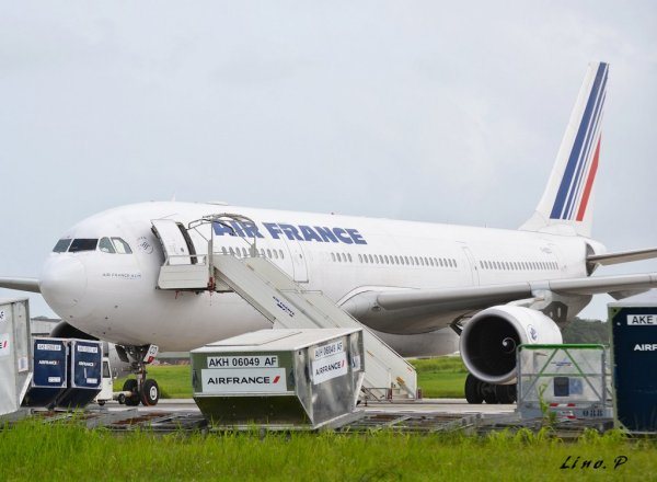 Photos > Airbus A330-200 Air France > Guadeloupe