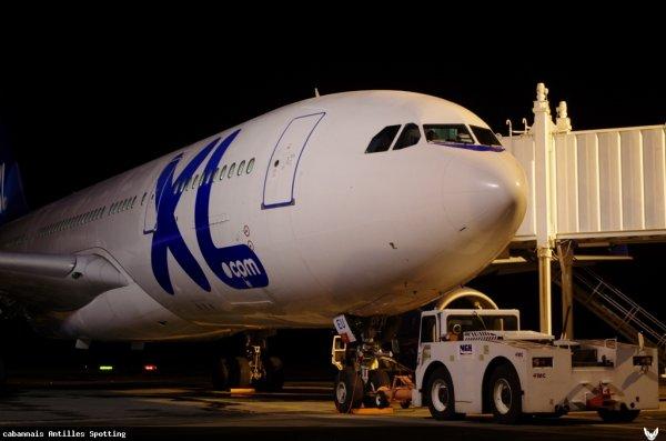 Hier/Yesterday in Martinique > XL Airways