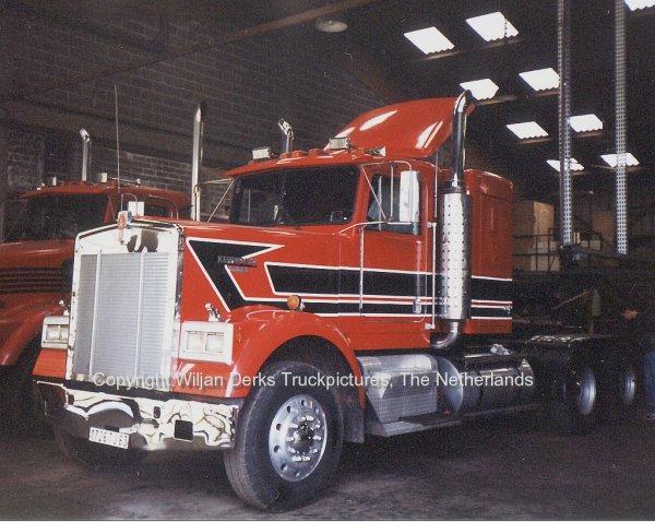 Issoire France  city images : Kenworth W900 Gaillard, Issoire, France American Trucks Camions US