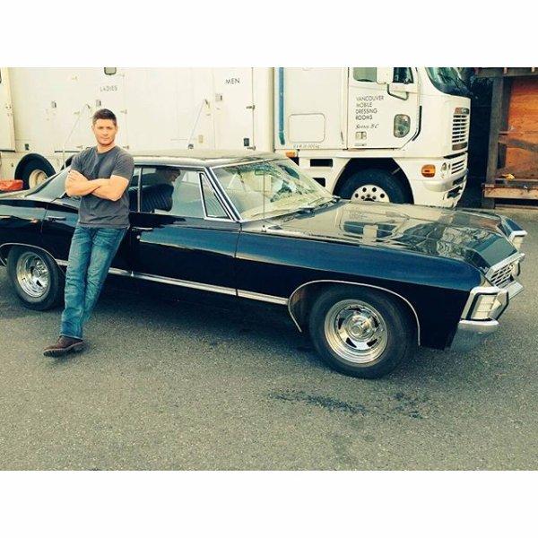 Voici deux photos du cast de Supernatural célébrant la fin du tournage