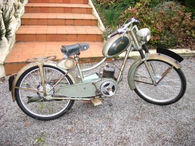 automoto 100vml la bicyclette qui roule toute seule dans le. Black Bedroom Furniture Sets. Home Design Ideas
