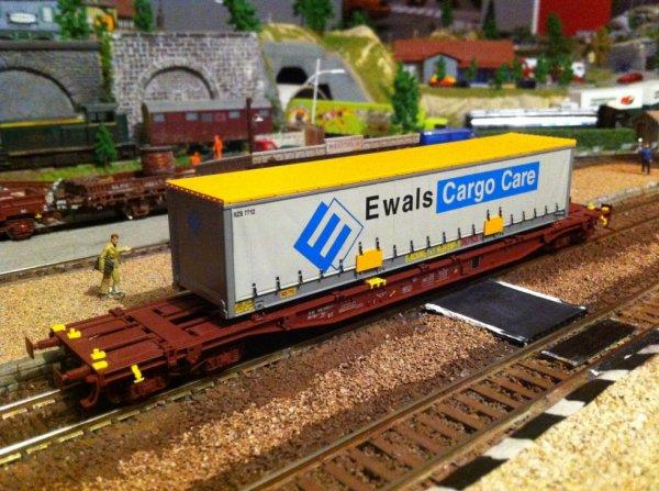 wagon porte caisse ls models ewals cargo a vendre 30 euros l'unité