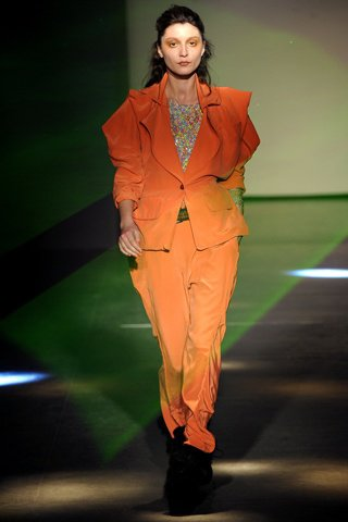 Fall 2012 Ready-to-Wear Vivienne Westwood.