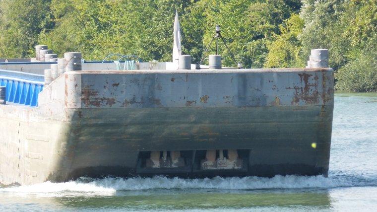 LANGUEDOC et ses barges.............MONTEREAU.............SEPTEMBRE 2016