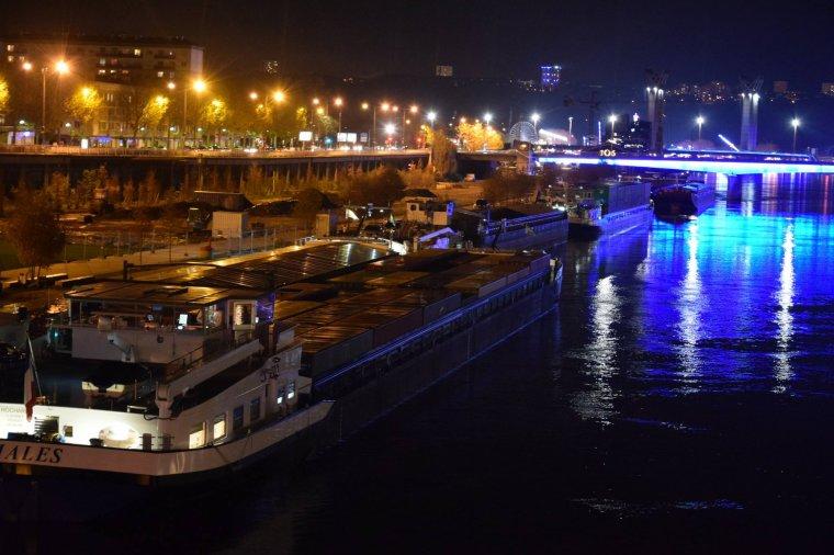 """ROUEN...la nuit...Photos de mon Amie Christine...""""lesfotosdecaline""""....M"""