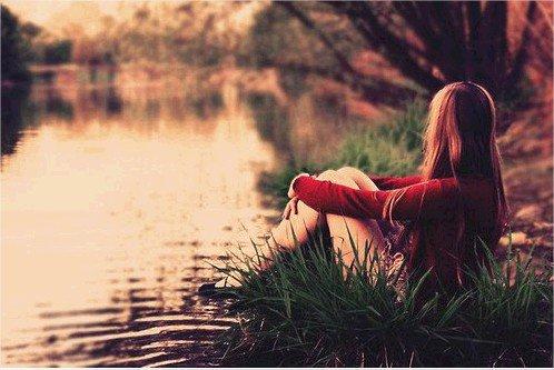 Souris à la vie, et elle te sourira. Souris à un cadavre, et si il te sourit, barre toi en courant. ♥.