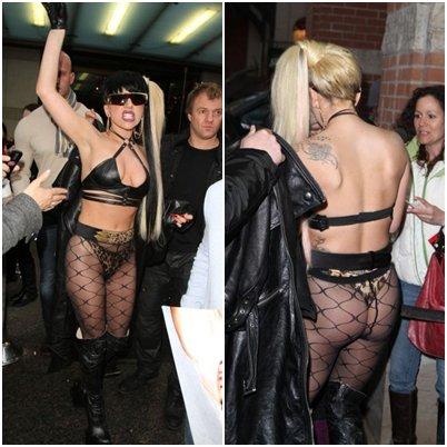 Lady GaGa a été aperçue hier dans laprès midi à la sortie de son hôtel à Toronto, abordant un nouveau style vestimentaire.