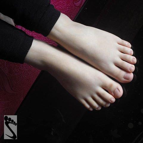 voila les beau pieds
