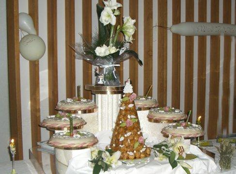 table de gateaux de mariage 2 - Blog de DECO-mariage