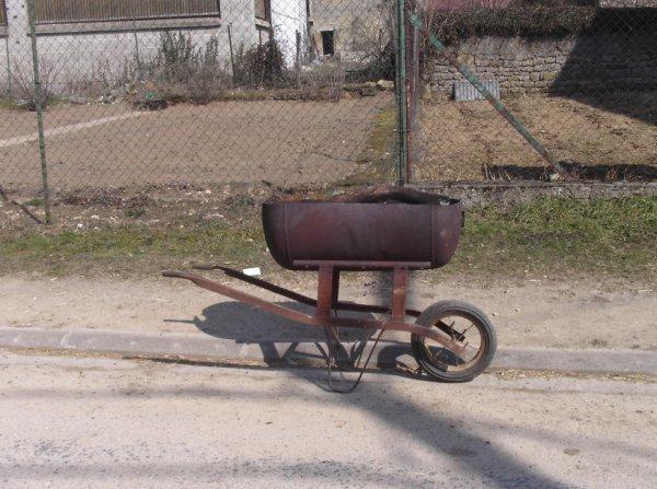 Brouette de competition blog de manoudu55 - Fabriquer un barbecue avec un chauffe eau ...