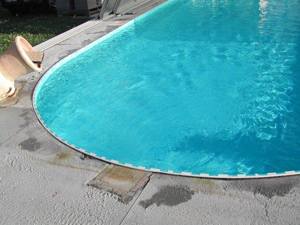 Pr paration pour la pose des margelles ma piscine for Construction piscine waterair barbara