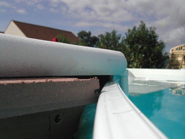 Pr paration pour la pose des margelles ma piscine for Changer liner piscine waterair