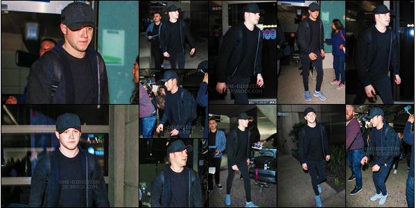 11/01/16 : Niall a �t� photographi� alors qu'il arrivait � l'a�roport international de � L.A.X � � Los Angeles.L'irlandais rejoint donc Louis et Liam sur le continent am�ricain. Je ne sais pas pourquoi ils se rendent tous aux �tats-Unis en ce moment, bizarre..