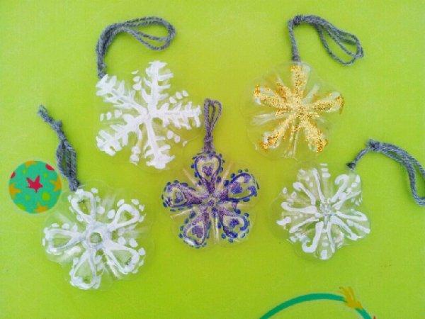Noel 2012 suite etoiles de laine de plastique ou autres blog de abc assmat13 - Deco de noel avec bouteille en plastique ...