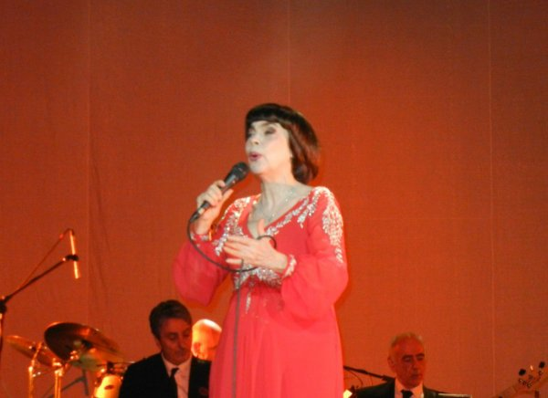 Mireille Mathieu in Krasnodar    ( Bilder und Video )