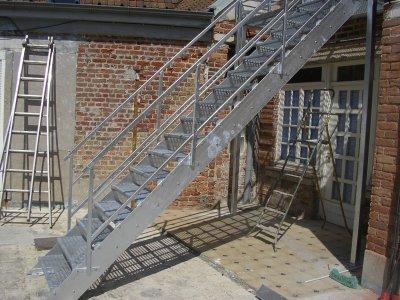 articles de fmgslk tagg s escalier exterieure galvanis. Black Bedroom Furniture Sets. Home Design Ideas