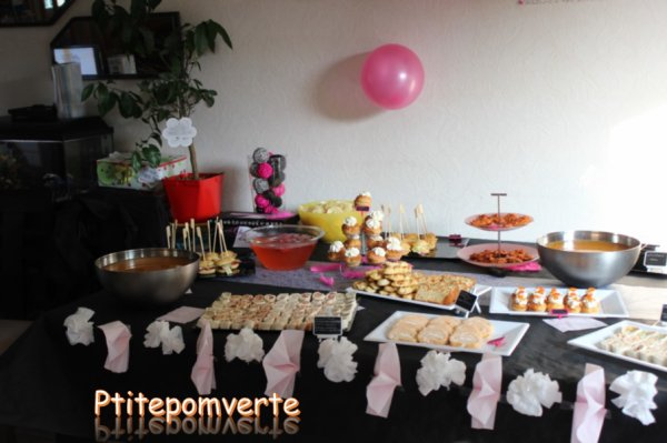 mes 28 ans sweet table les gourmandises de ptitepomverte. Black Bedroom Furniture Sets. Home Design Ideas