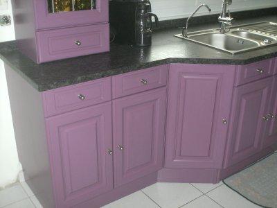 La cuisine apres la renovation de meubles sans le decapage for Cuisine couleur aubergine