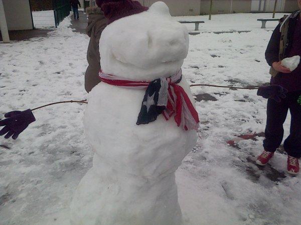 il est pas beau notre Stich de neige?? ^^
