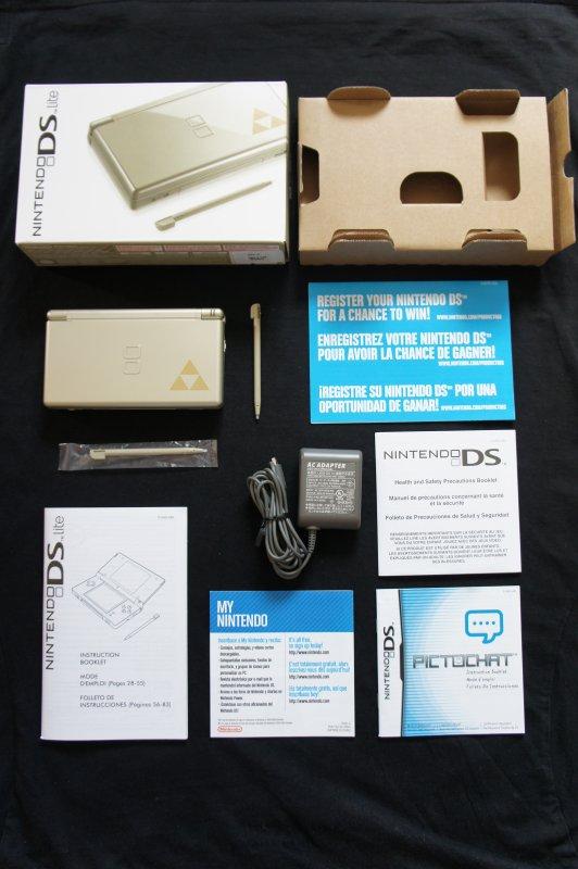 console nintendo ds lite collector pack edition zelda blog de zelda anthologie. Black Bedroom Furniture Sets. Home Design Ideas