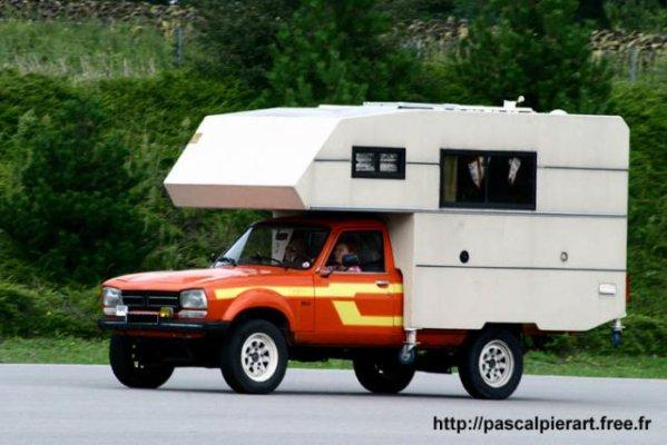 504 camping car des peugeot anciennes pas comme les autres. Black Bedroom Furniture Sets. Home Design Ideas
