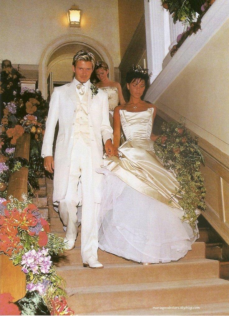 Victoria adams david beckham mariages de stars for Going to a wedding dress