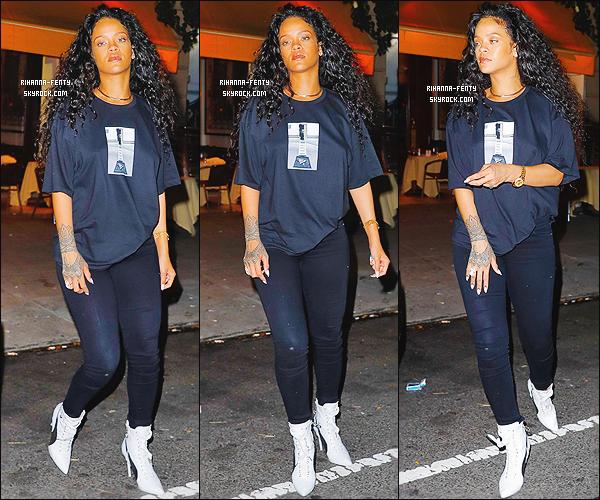 _ 20/10/2016  - Rihanna a été photographiée par les paparazzis dans les rues de New York - Qu'en pense tu ? Top