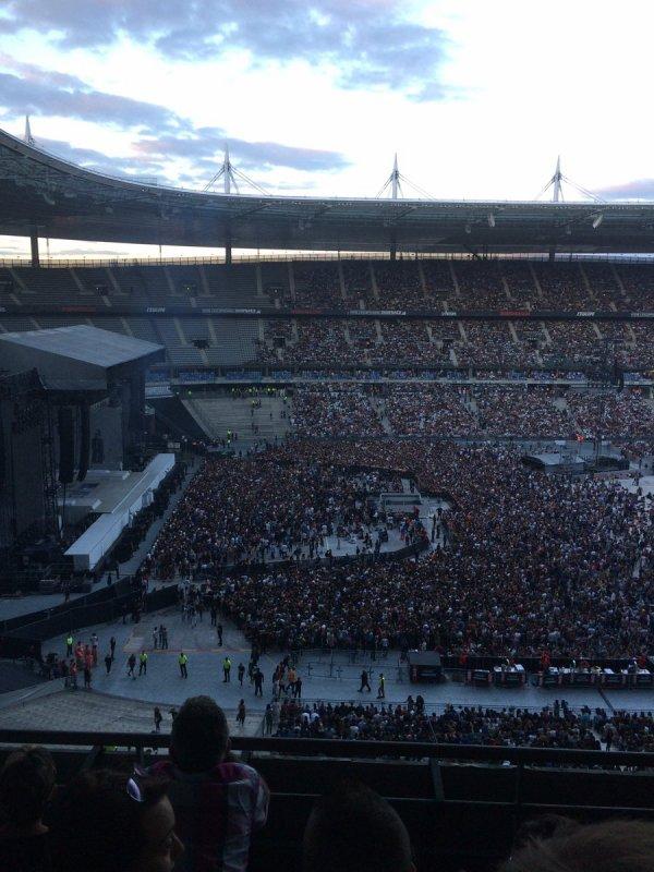 J'AI GAGN� MES PLACES AVEC SKYROCK : Le concert de Rihanna � Paris !
