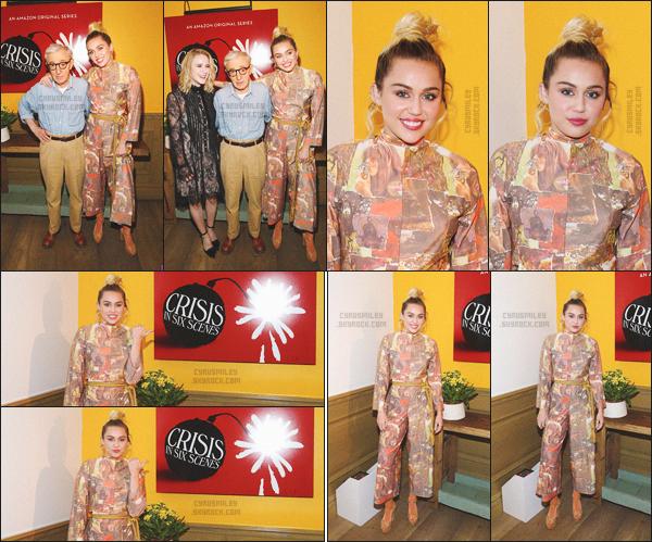 """- 15/09/16 - Miley Cyrus s'est rendu � l'avant premi�re de la s�rie """"Crisis in Six Sc�nes"""" (o� elle y joue) � New-York.Niveau tenue, j'adoooooore, c'est super fashion je trouve, m�me si �a reste particulier, un �norme coup de c�ur pour la coiffure de miss M. Cyrus.-"""