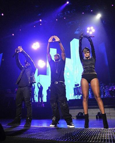 RIHANNA, KANYE WEST, JAY-Z     Tout sur les Messages qu'ils font fait pass� � travers leur Music.
