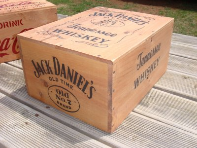 caisse jack daniel 39 s tennessee whiskey philbabs. Black Bedroom Furniture Sets. Home Design Ideas