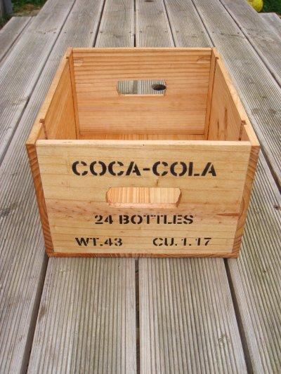 caisse coca cola avec poign es philbabs. Black Bedroom Furniture Sets. Home Design Ideas
