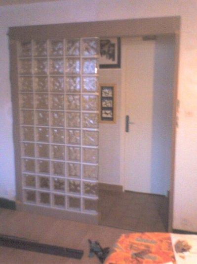 mur de brique de verre la menuiserie meuble ma vie. Black Bedroom Furniture Sets. Home Design Ideas