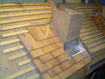 entourage de cheminee sur tuile plates les couvreurs 2006 2008 des compagnons du devoir. Black Bedroom Furniture Sets. Home Design Ideas