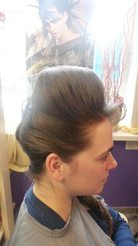 Chignon style annees 60 dynami tif coiffure - Chignon annee 60 ...