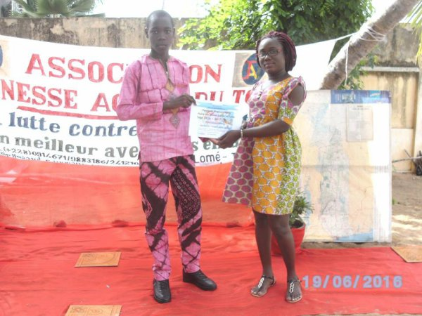 Remise de dipl�me du festival francophone plume des jeunes po�tes