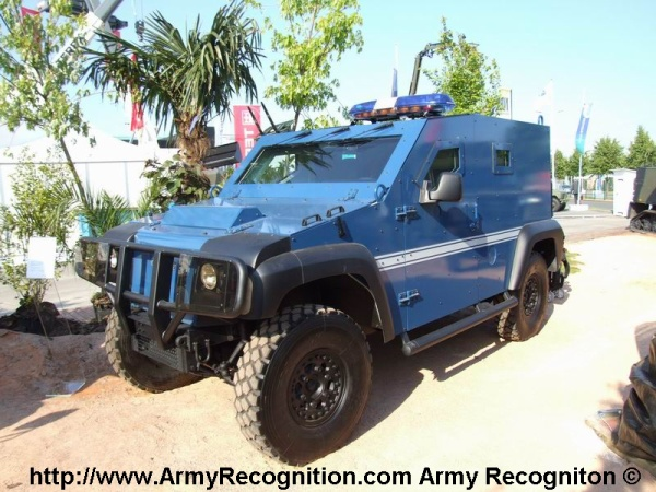 camion blind de la gendarmerie nationale blog de marouan06560. Black Bedroom Furniture Sets. Home Design Ideas