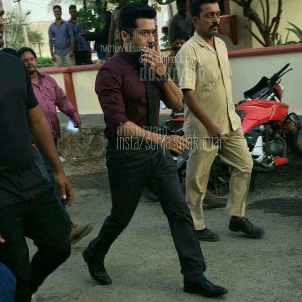 Suriya @ Singam 3 shooting spot - Rare/Unseen
