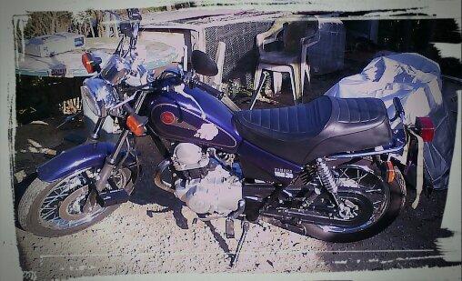 Et puis voilà ma moto ! une petite 125cc