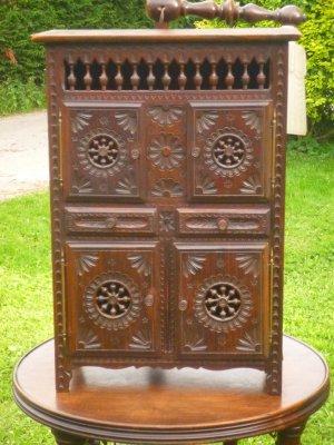 meuble breton miniature les petits meubles bretons de poup e. Black Bedroom Furniture Sets. Home Design Ideas