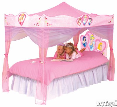 le lit des princesse cynthiakelyssa. Black Bedroom Furniture Sets. Home Design Ideas
