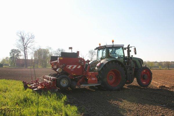 Plantation de pommes de terre 2015 vario820tms - Periode plantation pomme de terre ...