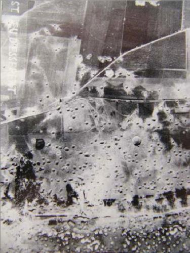 Photo d'un des bombardements alli� de 1944 st Leu d'Esserent (Oise)