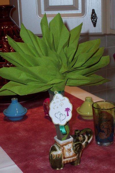 le pliage de la serviette papier en palmier blog de creationsissi. Black Bedroom Furniture Sets. Home Design Ideas