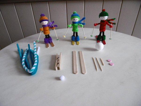 des petits skieurs avec une pince linge en bois les p 39 tites mains bricoleuses. Black Bedroom Furniture Sets. Home Design Ideas