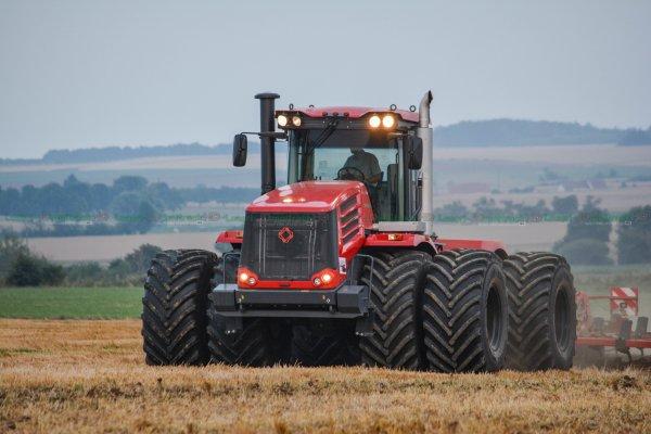 D�chaumage 2016   Tracteur Unique en France :Kirovets K744 R4 & Horsch Terrano 8 FG