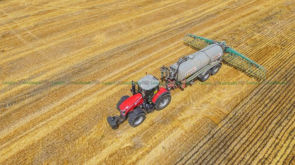 Epandage de Digestat 2016 | Massey-Ferguson 8735 & 8660 Dyna-VT & Pichon | ETA Renard